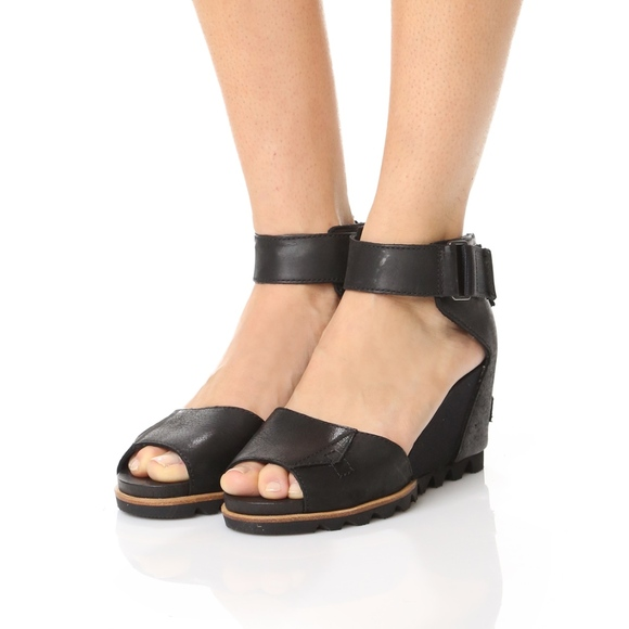 337c849f8c9 SOREL Women s  Joanie  Black Wedge Sandals. M 5c7d66058ad2f9466fd35e15